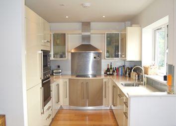 Thumbnail 2 bed property to rent in Regency Mews, Queens Road, Haywards Heath
