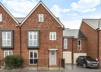 Thumbnail 5 bed town house for sale in Berryfields, Aylesbury