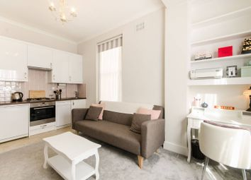 Thumbnail 1 bed flat to rent in Nevern Square, Earls Court