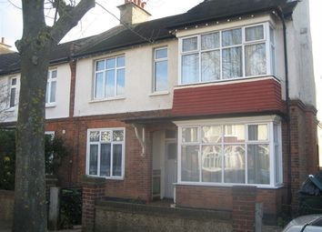 Thumbnail 3 bed flat to rent in Queens Road, Beckenham