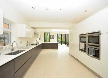 Thumbnail 4 bedroom property for sale in Oakleigh Park South, London