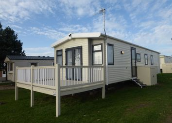 Thumbnail 3 bedroom mobile/park home for sale in Green Lane, Kessingland, Lowestoft