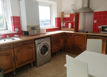 Thumbnail 4 bed flat to rent in Howard Street, Newcastle Upon Tyne