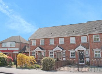 Thumbnail 2 bed property to rent in Dedworth Road, Windsor