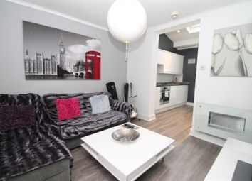 Thumbnail 2 bedroom flat to rent in The Fairway, Palmers Green, London