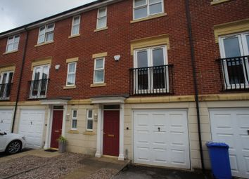 3 bed town house to rent in Crystal Close, Mickleover, Derby DE3