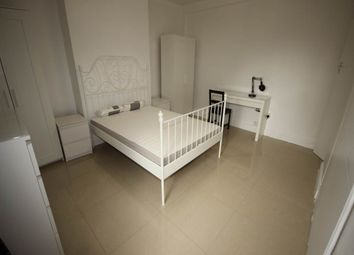 Thumbnail Room to rent in Bennetts Close, London