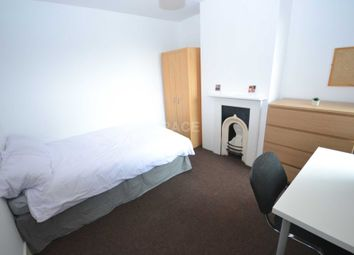 Thumbnail Room to rent in Swainstone Road, Reading, Berkshire, - Room 3