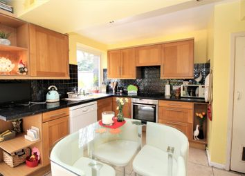 4 bed end terrace house for sale in Hawthorn Close, Horsham RH12
