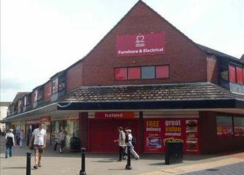 Thumbnail Retail premises to let in 11-13 Rhosddu Road, Wrexham