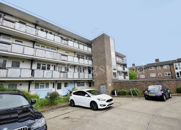 Thumbnail 1 bed flat to rent in The Knares, Lee Chapel South
