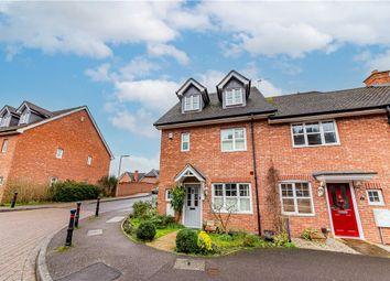 3 bed end terrace house for sale in Stockbridge Road, Fleet, Hampshire GU51