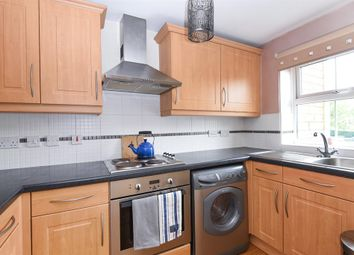 2 bed flat for sale in Meadow Road, Bradford BD10