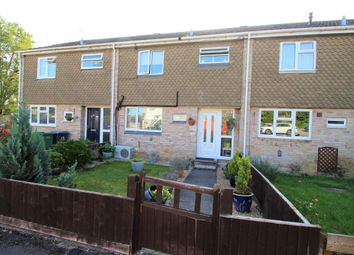 Lilac Close, Purley On Thames, Reading RG8. 3 bed terraced house