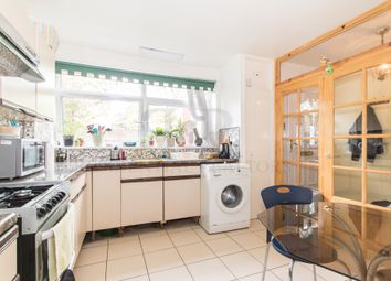 Thumbnail 3 bed maisonette to rent in Galbraith Street, London