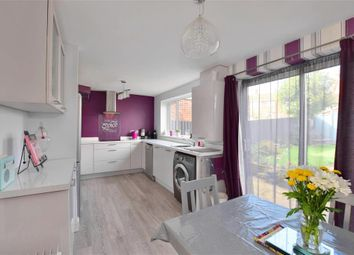 Mount Avenue, Yalding, Maidstone, Kent ME18. 3 bed terraced house for sale