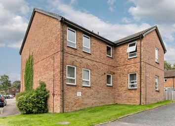 Thumbnail 1 bed flat for sale in Hillingdale, Crawley