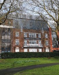 Thumbnail 2 bed flat for sale in Queens Terrace, Southampton