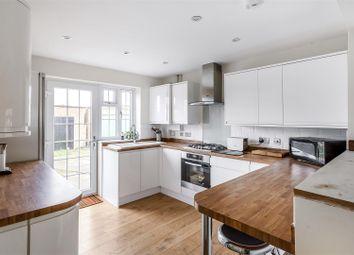 Thumbnail Studio to rent in Appledown Rise, Coulsdon