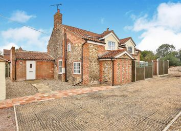Thumbnail 4 bed cottage to rent in London Street, Whissonsett, Dereham