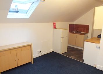 Thumbnail 1 bed flat to rent in Sholebroke Mount, Leeds