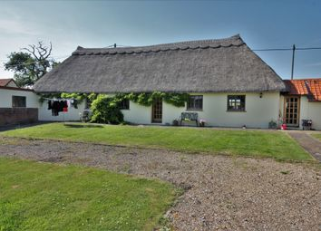 Thumbnail 4 bed cottage to rent in Skreens Park Road, Roxwell, Chelmsford