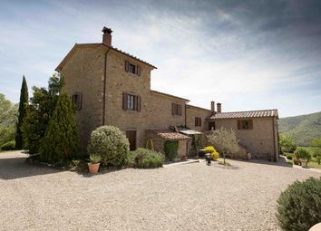 Thumbnail 5 bed farmhouse for sale in Martinozza di Sotto, Pian di Marte, Passignano Sul Trasimeno, Umbria
