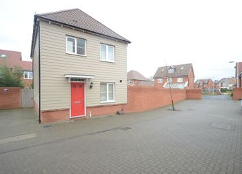 Thumbnail 3 bed detached house to rent in Gardenia, Woodley, Reading