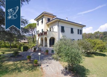 Thumbnail 4 bed villa for sale in Lucca, Lucca, Toscana