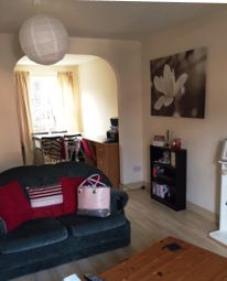 Thumbnail Room to rent in 9 Eltham Gardens, Leeds