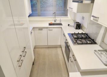 Thumbnail 2 bed flat to rent in Waverley Grove, Finchley