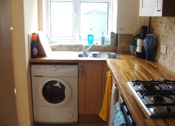 Thumbnail Room to rent in Double Room For A Single Female, Thames Avenue /Perivale