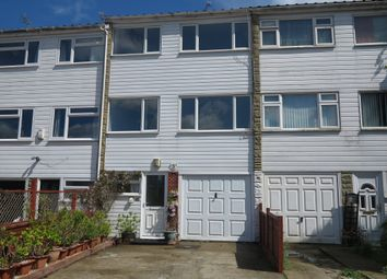 Thumbnail 3 bed town house to rent in Hanwood Close, Woodley, Reading