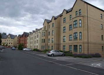 2 bed flat to rent in Hadfield Close, Victoria Park M14