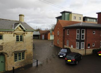 Thumbnail 2 bed flat to rent in Carre Street, Sleaford