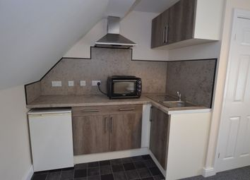 Thumbnail 1 bed flat to rent in Castleford