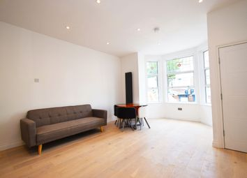 Thumbnail 1 bed flat to rent in Park Road, London