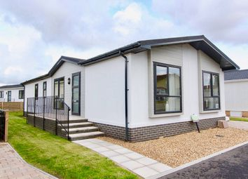 Thumbnail 3 bed mobile/park home for sale in Lechlade, Faringdon Road