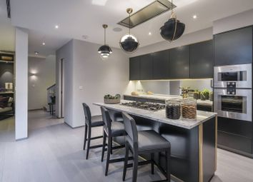 Thumbnail 4 bed property for sale in Hyde Park Gardens Mews, Hyde Park Estate