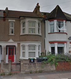 Thumbnail 4 bedroom shared accommodation to rent in Stirling Road, London