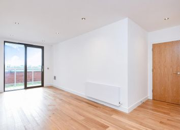 Thumbnail 1 bed flat to rent in Gateway House, Regents Park Road N3, Finchley, London,