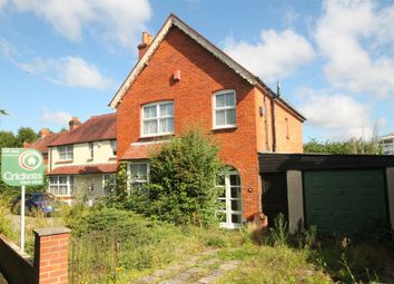 Thumbnail 3 bed detached house for sale in Kings Road, Newbury