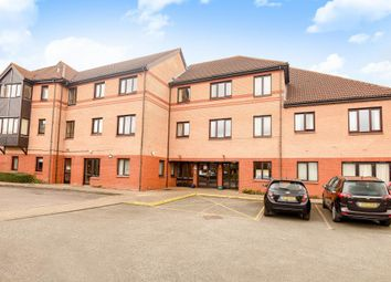 Thumbnail 2 bed flat for sale in Fairacres Road, Didcot