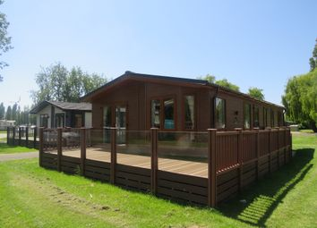 Thumbnail 2 bed mobile/park home for sale in Billing Aquadrome, Crow Lane, Northampton