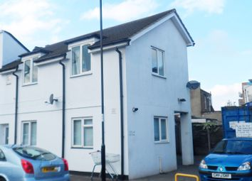 Thumbnail 1 bed flat to rent in Purley Way, Croydon