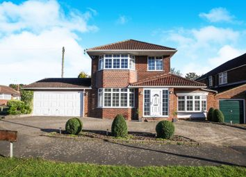 Thumbnail 3 bed detached house for sale in Hillview Crescent, Luton