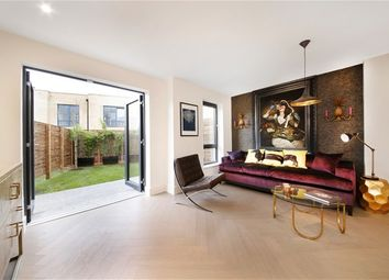 Thumbnail 4 bed property for sale in Somers Place, London