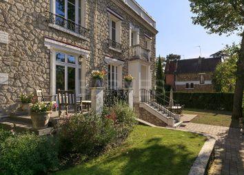 Thumbnail 3 bed villa for sale in Le Vesinet, Le Vesinet, France