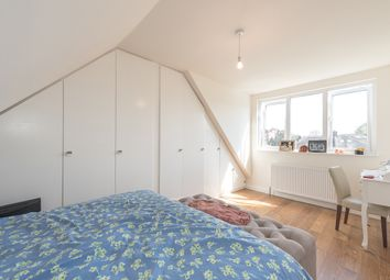 Thumbnail 1 bed flat to rent in Creighton Avenue, London