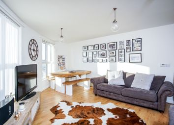 Thumbnail 2 bed flat for sale in 3 Queensland Road, Islington